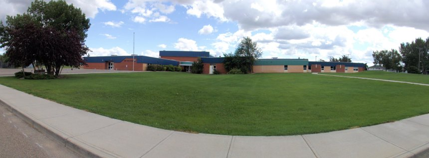 Gull Lake School